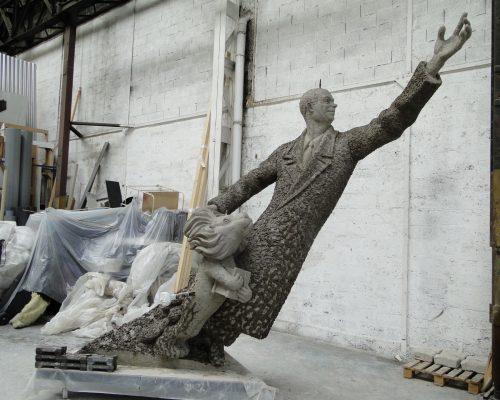 brila-estonteco-statue-complete